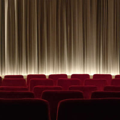 køb en biograf oplevelse i gave til ham