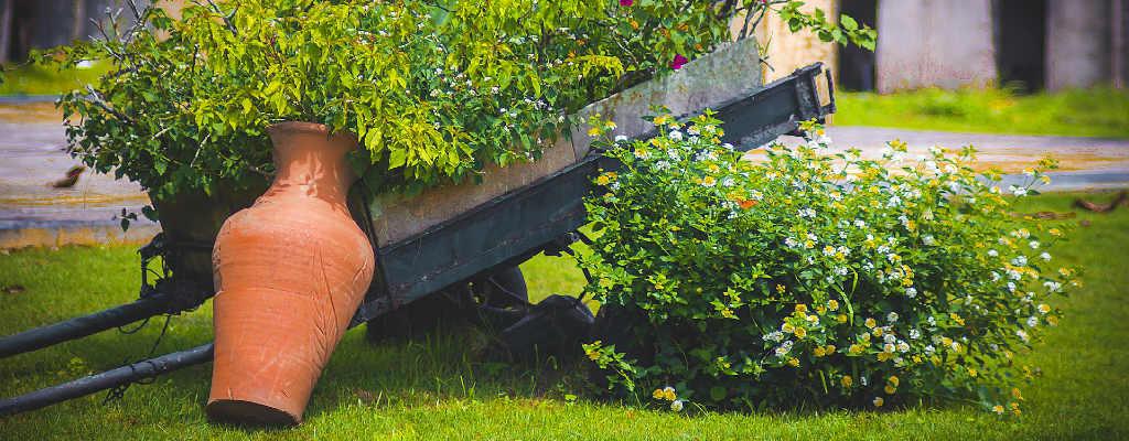 Køb havekrukker i gave til parret med have